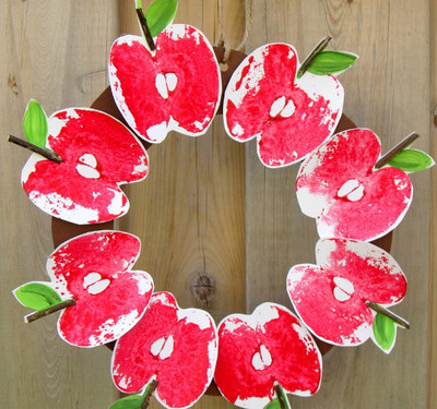 Red Delicious DIY Apple Print Wreath