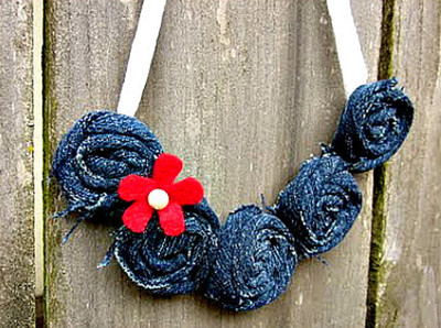 Cute and Fashionable Denim Rosette Necklace