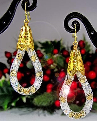 f7e7855c4f5e68 Modern Mesh Holiday DIY Earrings | AllFreeJewelryMaking.com