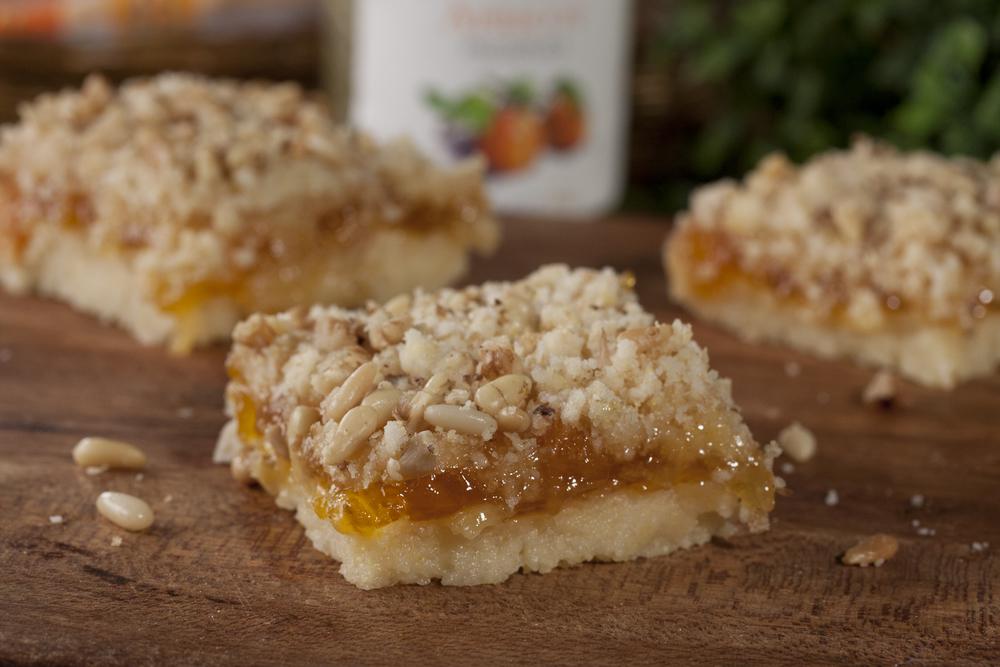 Apricot Crumb Bars | MrFood.com