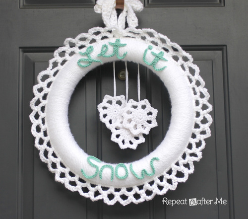 Crochet Winter Wreath