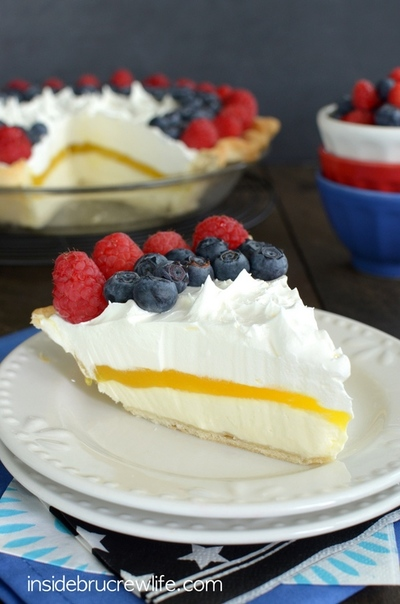 Lemon Cream Berry Pie