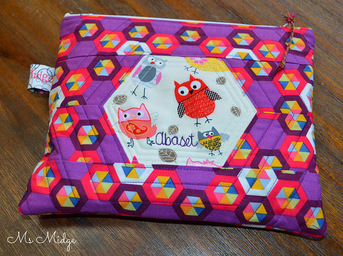 How to make a personalised zippered pouch