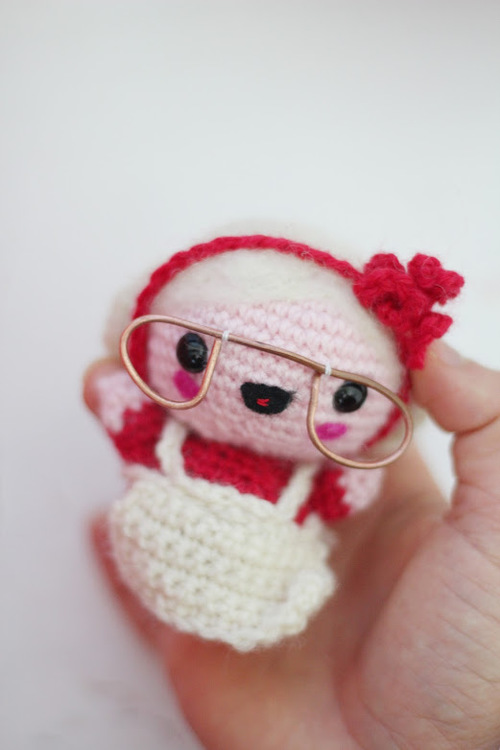 Amigurumi Crochet Mrs Claus
