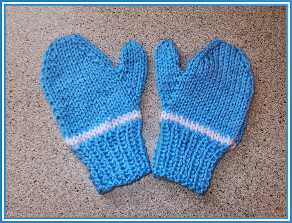 Knitting Pattern For Childrens Gloves With Fingers : Easy Two Needle Childrens Mittens AllFreeKnitting.com