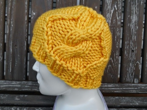 Dream of Sunny Days Cable Hat