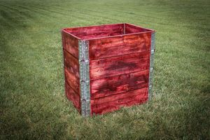 Stackable Pallet Compost Bin