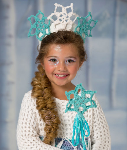 Free Crochet Pattern Elsa Cape : Wonderful Winter Princess Tiara and Wand AllFreeCrochet.com