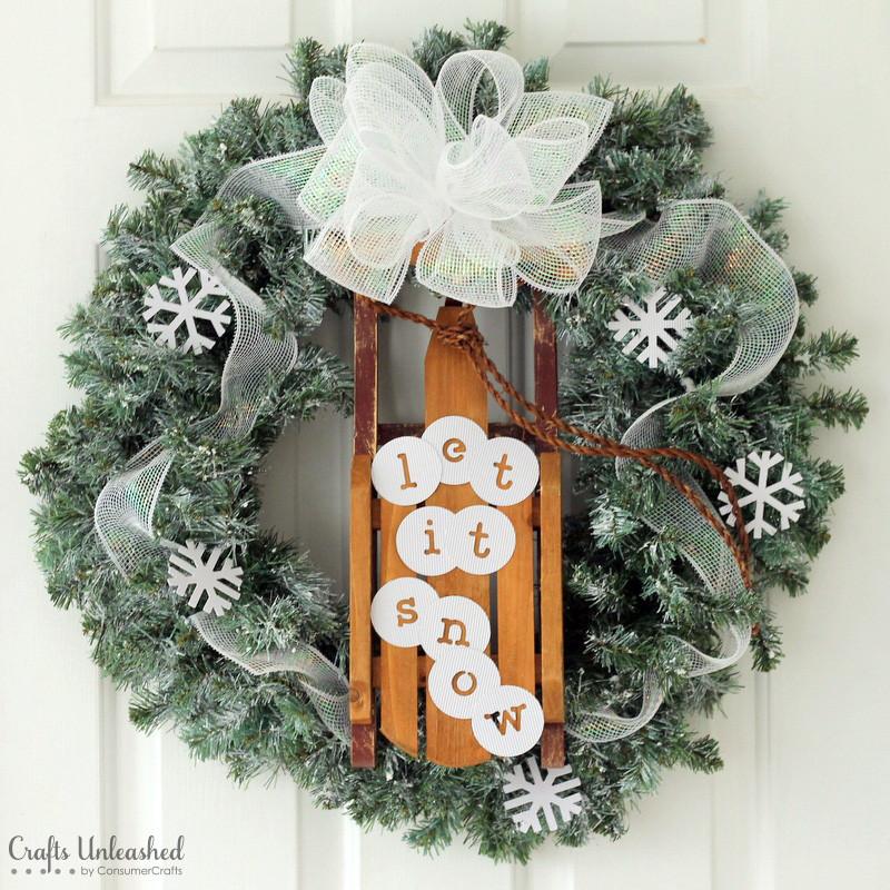 Diy Sled Winter Wreath Allfreeholidaycrafts Com