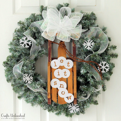 DIY Sled Winter Wreath