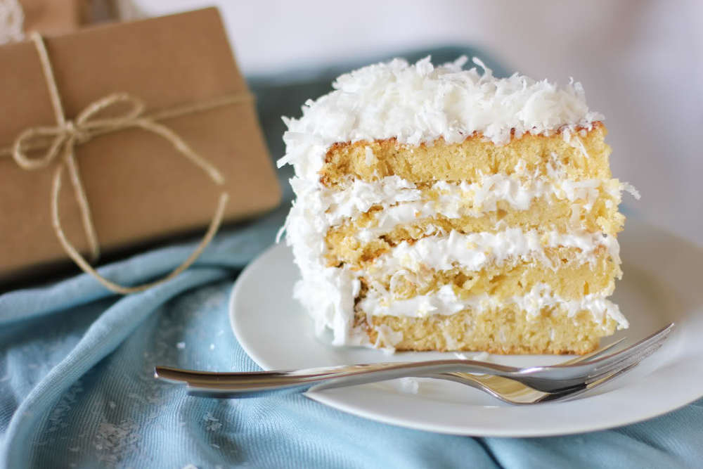 Moist And Fluffy Coconut Cake Thebestdessertrecipes Com