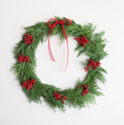 20-Minute DIY Holiday Wreath