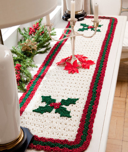 Berry Leaf Table Runner