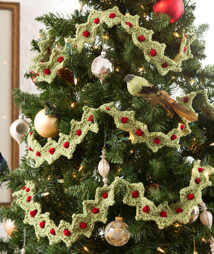Crochet Christmas Tree Garland