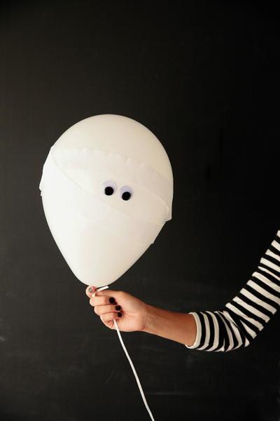 Must-Make Mummy Balloons