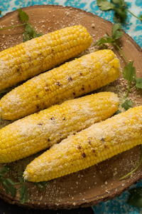 Garlic Parmesan Grilled Corn on the Cob