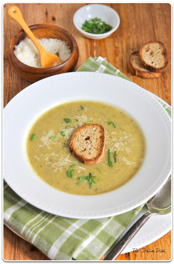 Zucchini Soup with Garlic Toast | FaveHealthyRecipes.com