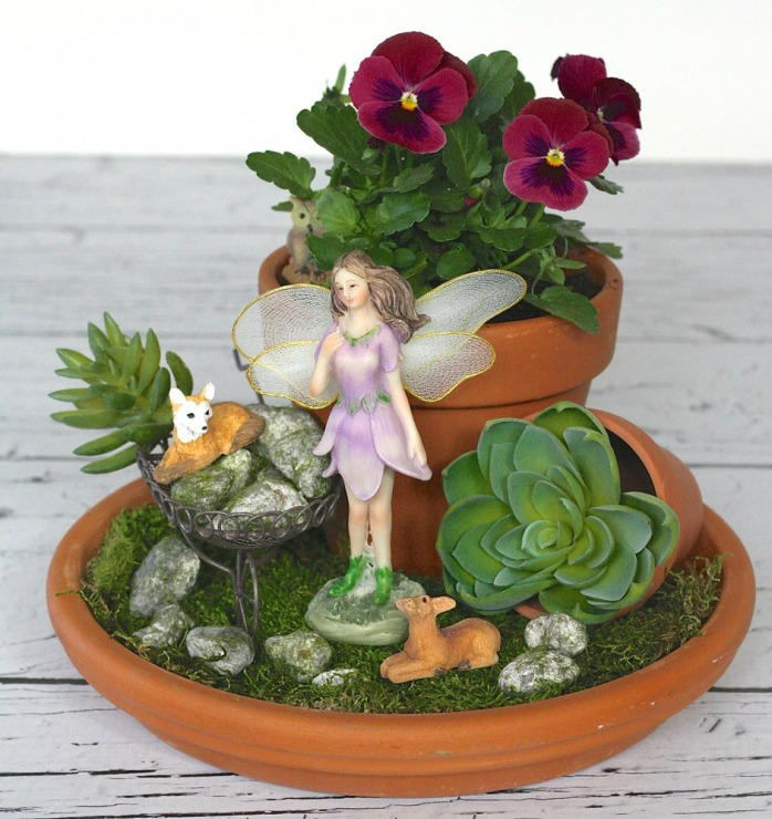 Fairy DIY Garden Decor | AllFreeHolidayCrafts.com on Easy Diy Garden Decor id=29488