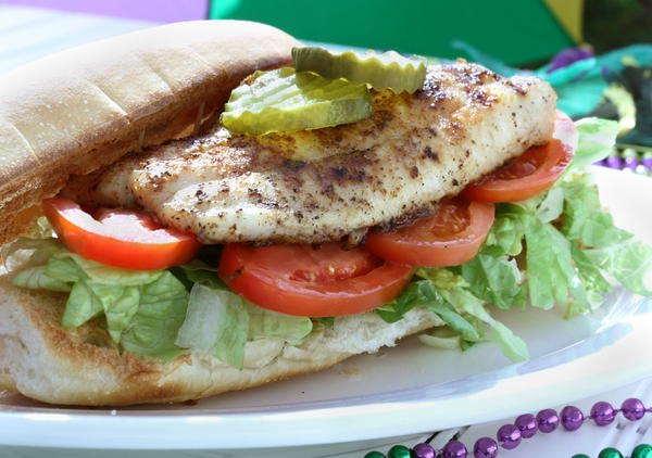 Grilled catfish po 39 boys for Prime fish and hoagie