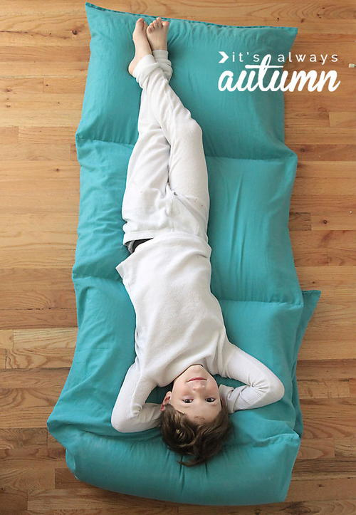 Comfy Pillow DIY Bed