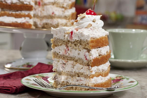 The Ultimate Hummingbird Cake