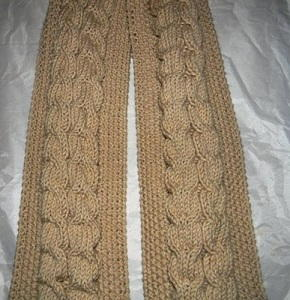 Seed Stitch Cable Knit Scarf