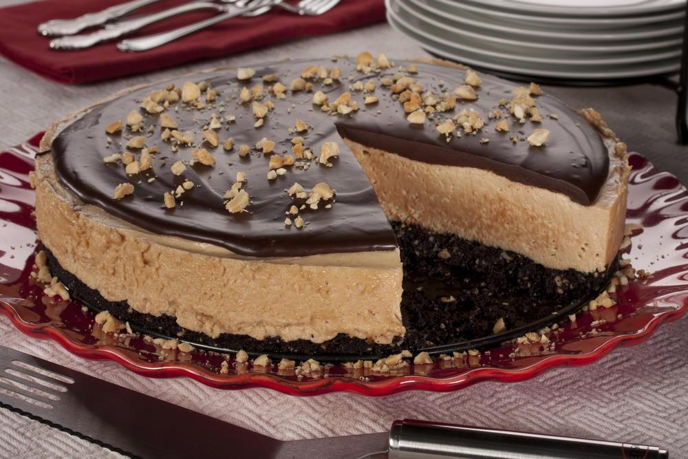 Frozen Chocolate Peanut Butter Mousse Cake