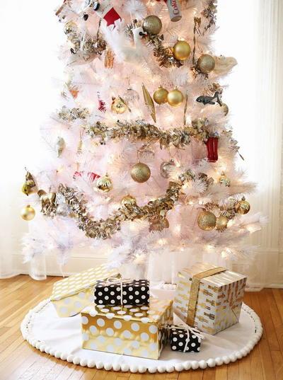 3 easy no sew tree skirts - Christmas Tree Skirt Ideas