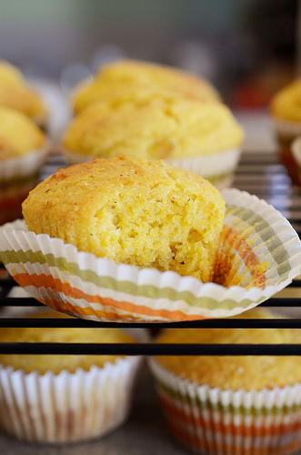 Famous Daves Copycat Sweet Cornbread Muffins