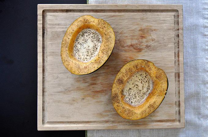 Delicious Baked Acorn Squash | RecipeLion.com