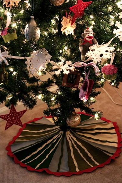 Christmas Miracle Tree Skirt