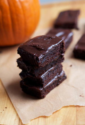Vegan Fudgy Pumpkin Brownies
