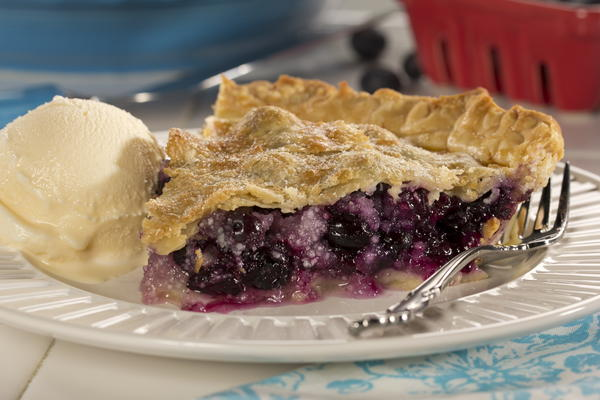 Deep Dish Blueberry Pie