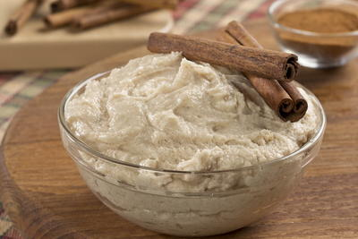 Cinnamon Buttercream Frosting