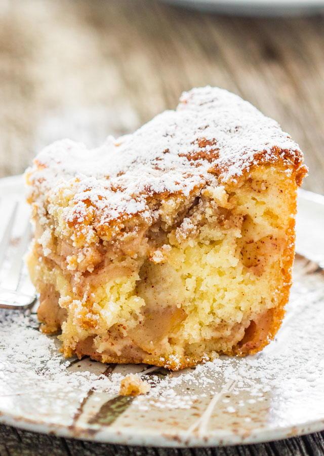 Layered Apple Pie Cake | FaveSouthernRecipes.com
