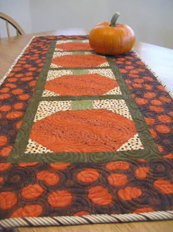 Pumpkin Table Runner Favequilts Com