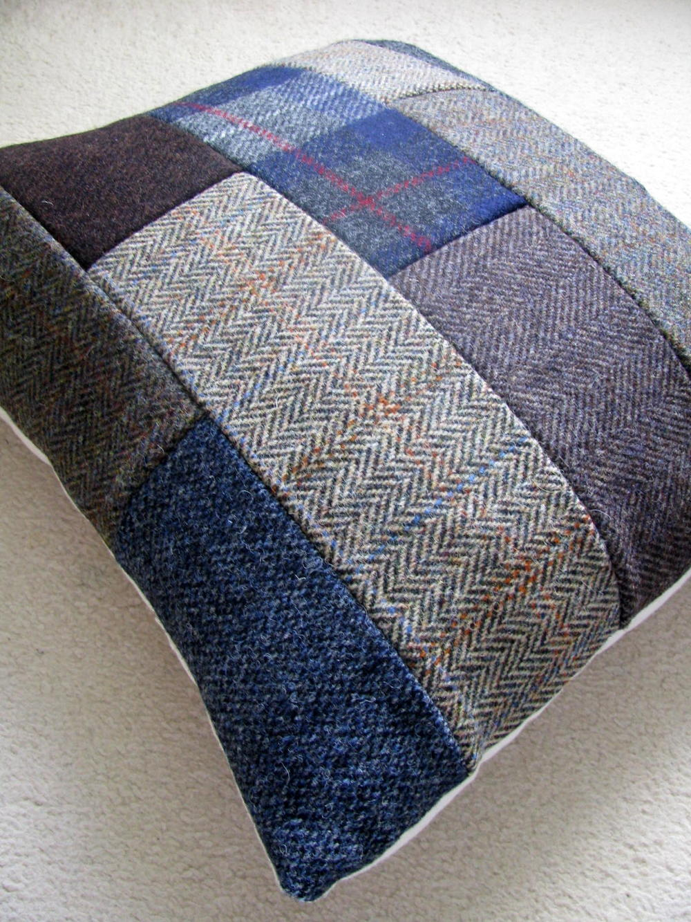 Patchwork Tweed DIY Throw Pillows DIYIdeaCenter.com