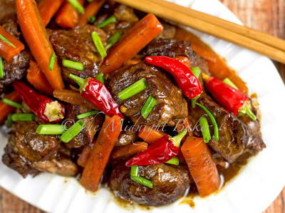 Slow Cooker Sichuan Beef and Carrots