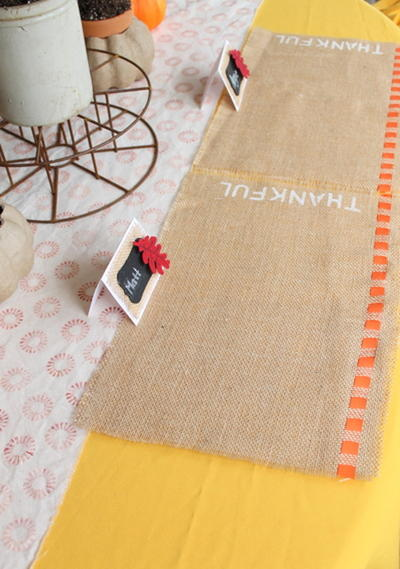 Quick Burlap Place Cards
