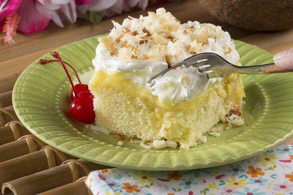 Hawaiian Wedding Poke Cake