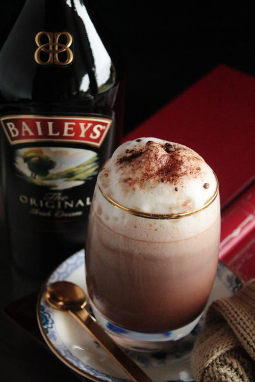 Hot Chocolate Baileys Irish Cream Drinks