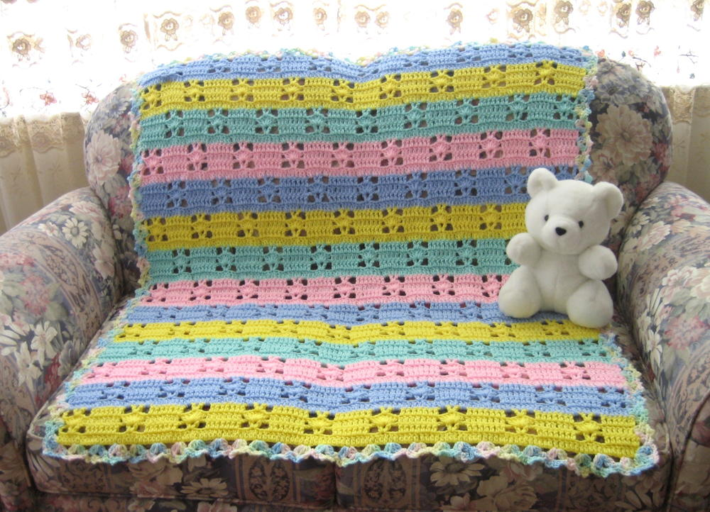 Hushabye Baby Blanket Crochet Pattern   AllFreeCrochetAfghanPatterns.com