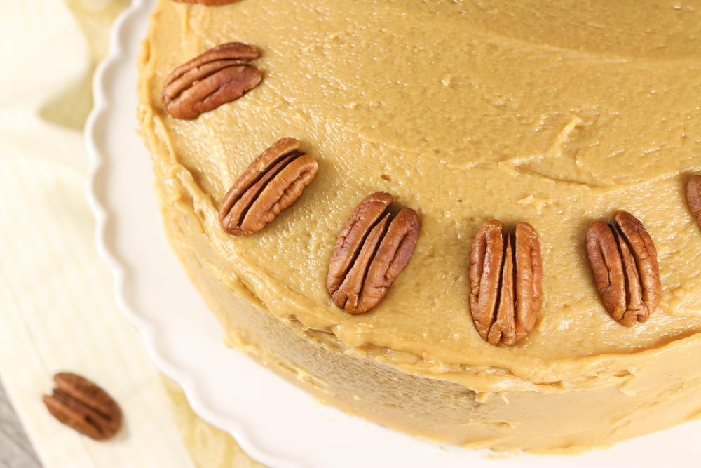 southern caramel cake classic southern caramel cake favesouthernrecipes 7598