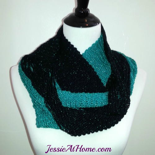 Versatile Black and Emerald Infinity Scarf