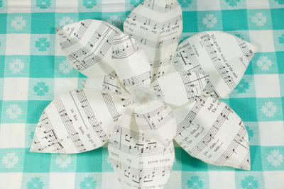 Sheet Music Magnolia Ornament
