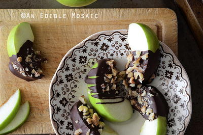 Dark Chocolate Apple Wedges