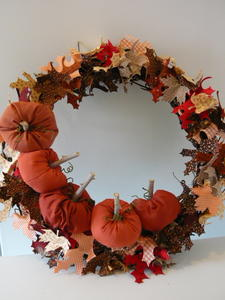 Decorating for Thanksgiving: 26 Unexpected Thanksgiving Crafts to Sew + Thanksgiving Decorating Ideas