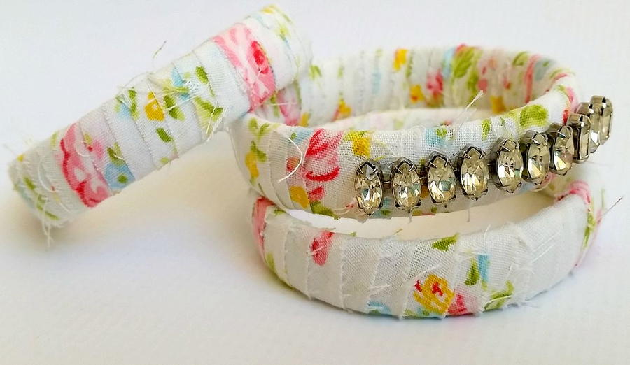 Thifty Crystal-Bedazzled Bangles