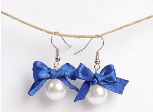 Adorable Ribbon and Pearl Earrings