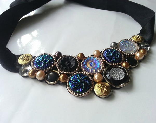 Stunning Vintage Button Necklace
